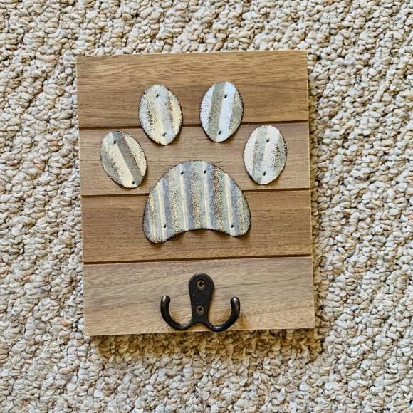 Decorative Pet Leash and Accessory Hanger